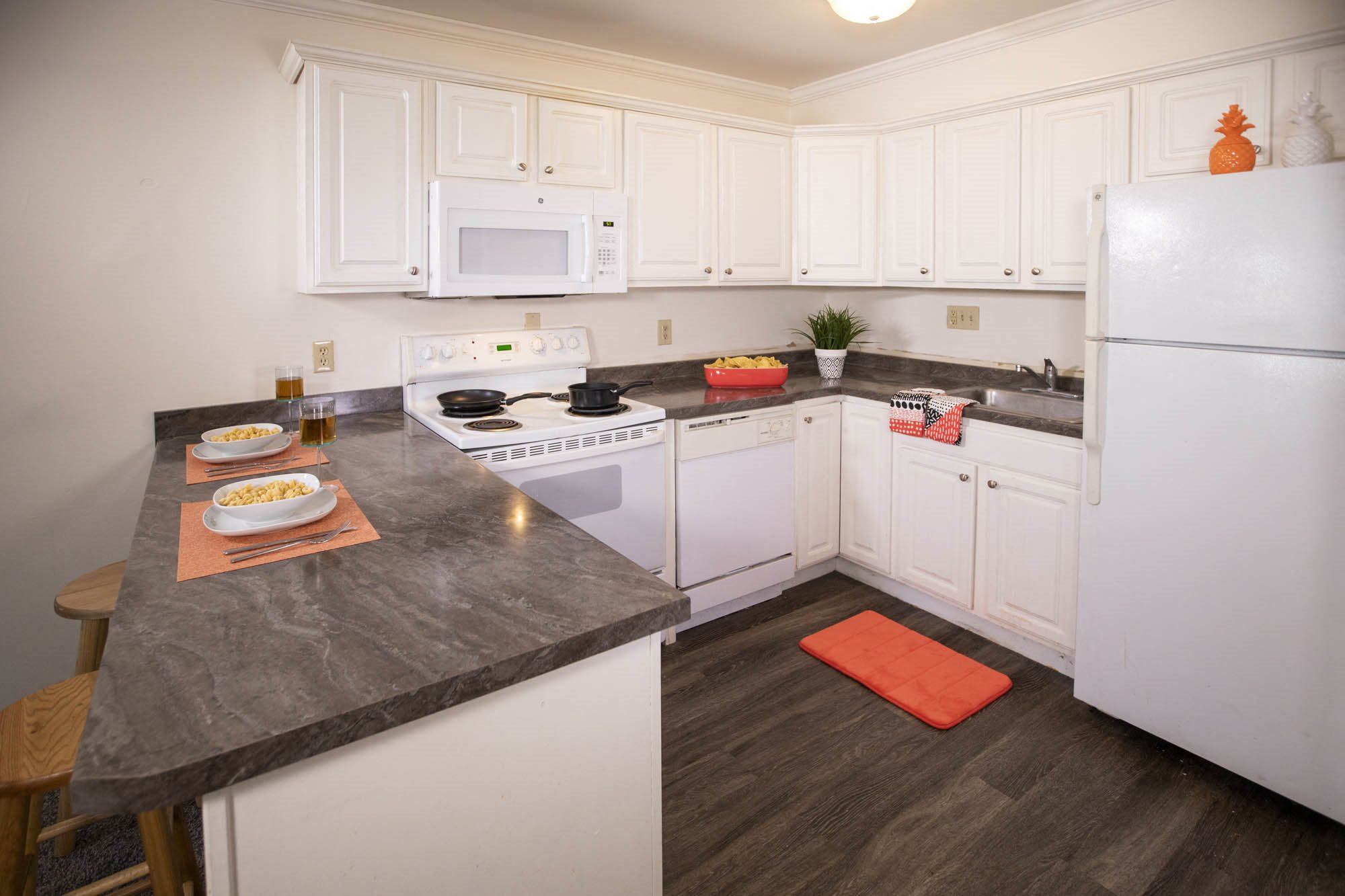 Apartments in East Lansing near Michigan State University | Campus View Apartments